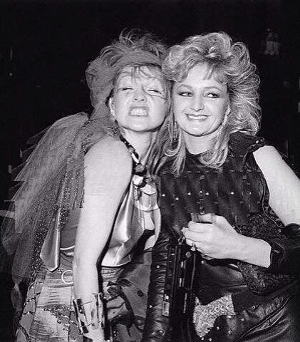 Cyndi Lauper and Bonnie Tyler ham it up after the 1984 Grammys.